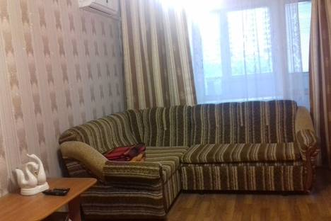 Сдается 1-комнатная квартира посуточно в Омске, 3 Енисейская 32/2.