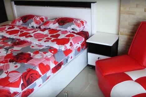 Сдается 1-комнатная квартира посуточнов Екатеринбурге, улица Азина, 23.