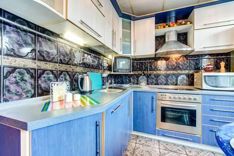 Сдается 2-комнатная квартира посуточнов Гатчине, проспект Ветеранов д. 135, корп. 3.