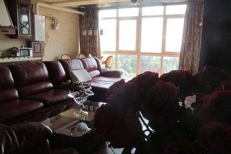 Сдается 3-комнатная квартира посуточно в Алуште, пер.Ревкомовский  4.