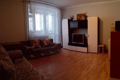 Сдается 1-комнатная квартира посуточнов Тюмени, улица Газовиков, 49.