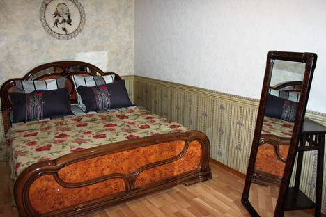 Сдается 2-комнатная квартира посуточнов Екатеринбурге, улица Мамина-Сибиряка 97.
