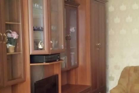 Сдается 2-комнатная квартира посуточно в Кировске, Ул. Олимпийская, 83.