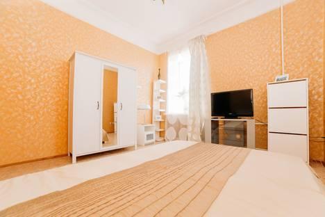 Сдается 2-комнатная квартира посуточнов Казани, улица Пушкина д. 3.