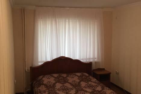 Сдается 1-комнатная квартира посуточнов Майкопе, ул. Краснооктябрьская 1.