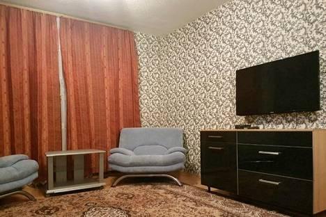 Сдается 1-комнатная квартира посуточнов Новом Уренгое, микрорайон Оптимистов, 2/2.