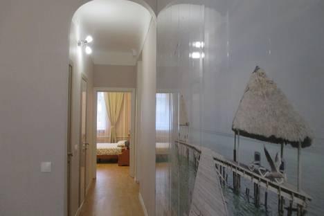 Сдается 2-комнатная квартира посуточно в Екатеринбурге, улица Свердлова, 60.