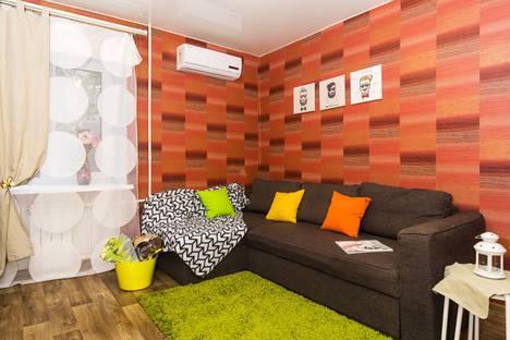 Сдается 2-комнатная квартира посуточно в Омске, К. Маркса проспект, 48А.