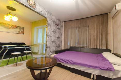 Сдается 1-комнатная квартира посуточнов Щёкине, ул. Михеева, 29.