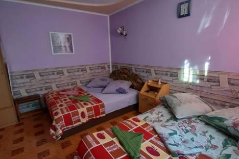 Сдается 1-комнатная квартира посуточно в Алуште, ул.Парковая д.8.