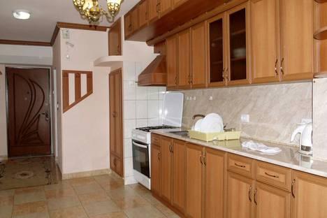 Сдается 2-комнатная квартира посуточно в Ереване, ул. Пушкина, 3.