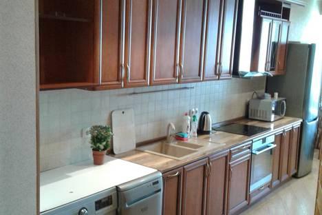 Сдается 2-комнатная квартира посуточно в Алматы, Самал-2   Достык,97б.