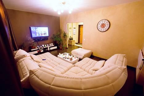 Сдается 2-комнатная квартира посуточнов Екатеринбурге, улица Татищева, 49.