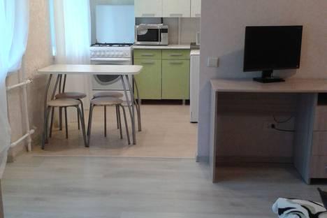 Сдается 2-комнатная квартира посуточно в Чайковском, ул. Кабалевского, 13.