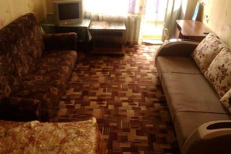 Сдается 1-комнатная квартира посуточно в Нижней Туре, улица 40 лет Октября, 44.