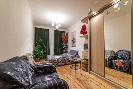 Сдается 1-комнатная квартира посуточно, ул. Фарфоровская д. 18 подьезд3.