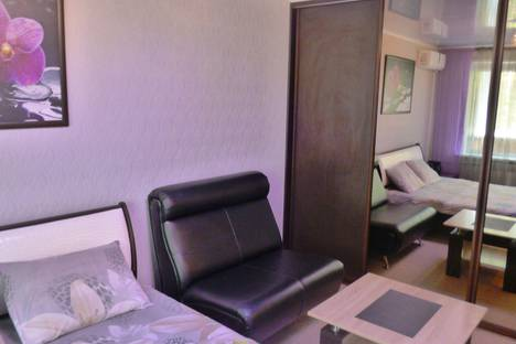 Сдается 1-комнатная квартира посуточно в Сызрани, проспект Королева, 3.