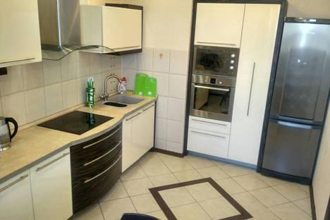 Сдается 2-комнатная квартира посуточно в Иркутске, Байкальская улица, 202/2.