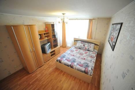 Сдается 2-комнатная квартира посуточно в Кургане, улица Володарского, 99.