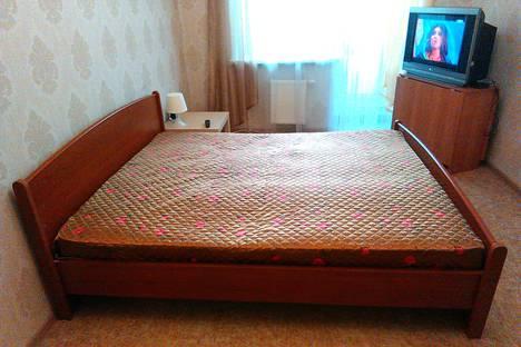 Сдается 2-комнатная квартира посуточно в Барнауле, проспект Ленина 151б.