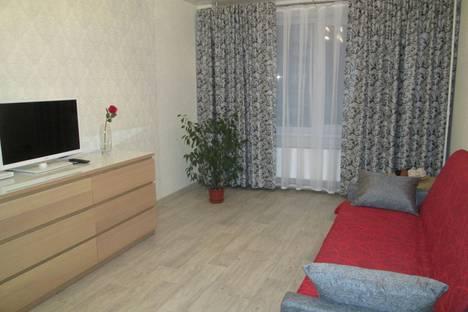 Сдается 2-комнатная квартира посуточно в Тольятти, улица 40 Лет Победы 49 д.