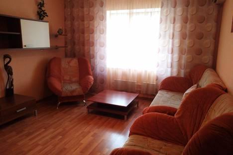 Сдается 1-комнатная квартира посуточно в Тольятти, улица Юбилейная, 85.