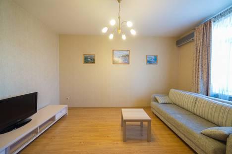Сдается 2-комнатная квартира посуточно во Владивостоке, Партизанский проспект, 22.