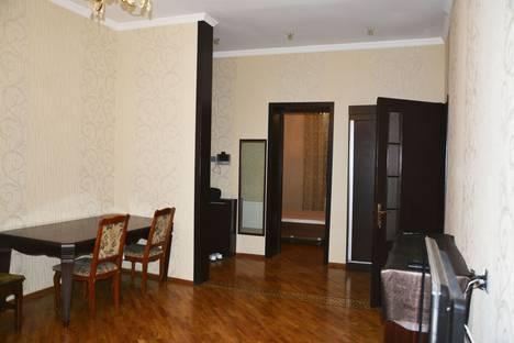 Сдается 3-комнатная квартира посуточнов Баку, Azerbaijan,225 Dilara Aliyeva.
