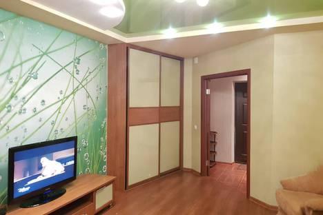 Сдается 1-комнатная квартира посуточнов Кирове, Преображенская улица,82к1.