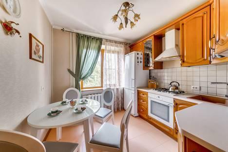 Сдается 2-комнатная квартира посуточно в Ростове-на-Дону, улица Благодатная 168/1.
