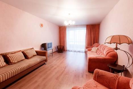 Сдается 2-комнатная квартира посуточно в Томске, улица Лебедева, 57.
