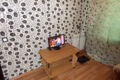 Сдается 2-комнатная квартира посуточнов Новокузнецке, улица 40 лет ВЛКСМ, 116.