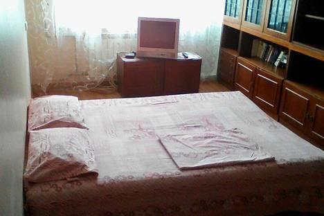 Сдается 1-комнатная квартира посуточнов Кстове, улица Фруктовая, 7/1.
