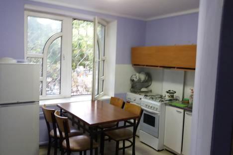Сдается 2-комнатная квартира посуточно в Алматы, Абылайхана дом46,Угол Макатаева.