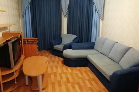 Сдается 2-комнатная квартира посуточно в Лангепасе, ул. Ленина, 72.