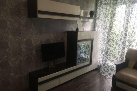 Сдается 1-комнатная квартира посуточно в Омске, проспект Комарова, 16.