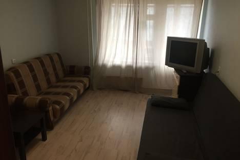 Сдается 2-комнатная квартира посуточно в Кирове, Сурикова 41.
