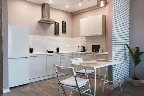 Сдается 1-комнатная квартира посуточно в Краснодаре, ул. Кубанская Набережная, 33.