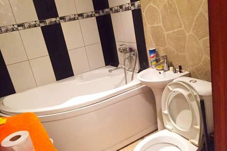 Сдается 2-комнатная квартира посуточно в Воронеже, улица Ворошилова, 32.