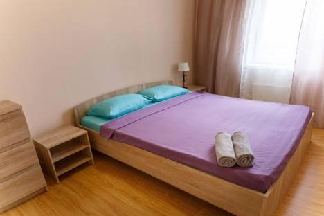 Сдается 2-комнатная квартира посуточно в Петрозаводске, ул. Варламова, 35.