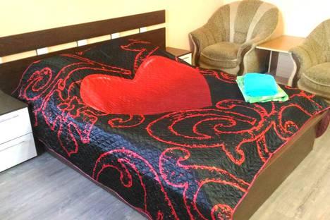 Сдается 2-комнатная квартира посуточно в Абакане, ул. Крылова 85.