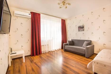 Сдается 1-комнатная квартира посуточнов Волжском Утёсе, улица Маршала Жукова, 54.