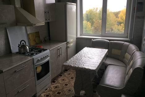 Сдается 3-комнатная квартира посуточно в Чайковском, Советская улица дом 53.