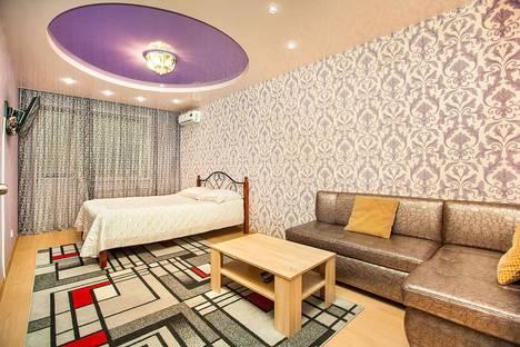 Сдается 1-комнатная квартира посуточно в Тольятти, бульвар Цветной, 37.