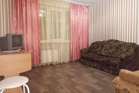 Сдается 3-комнатная квартира посуточно в Каменск-Уральском, ул. Каменская, 63.