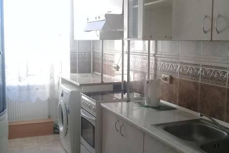 Сдается 1-комнатная квартира посуточно в Симферополе, 28 ул. Богдана Хмельницкого.