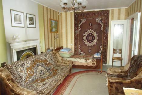 Сдается 2-комнатная квартира посуточнов Речице, улица Наумова дом 18.