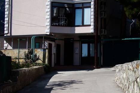 Сдается 1-комнатная квартира посуточно в Гурзуфе, 7 Коммунальная улица.