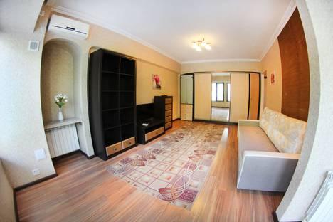 Сдается 1-комнатная квартира посуточно в Алматы, улица Абая 24.