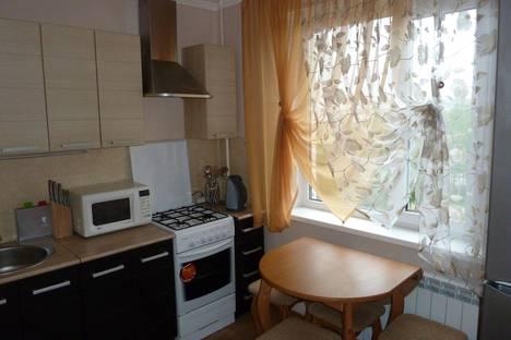 Сдается 1-комнатная квартира посуточнов Усинске, улица Молодежная, 13.